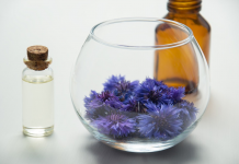 7 Best Essential Oils for Aging Skin